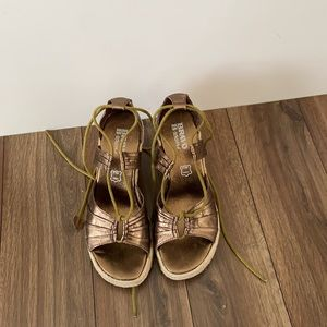 90s Browns Bronze Esapdrille Lace Up Wedges
